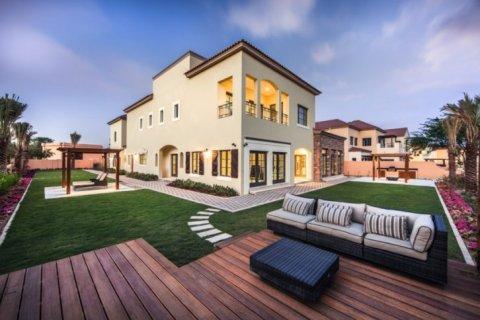 Продажа виллы в Джумейра Гольф Эстейтс, Дубай, ОАЭ 5 спален, 948м2, № 1391 - фото 5