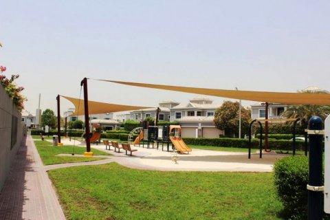 Продажа виллы в Falcon City of Wonders, Дубай, ОАЭ 5 спален, 650м2, № 1666 - фото 15