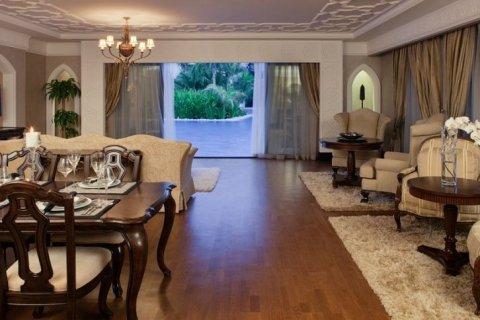 Продажа здания в Пальме Джумейре, Дубай, ОАЭ 695м2, № 1687 - фото 7