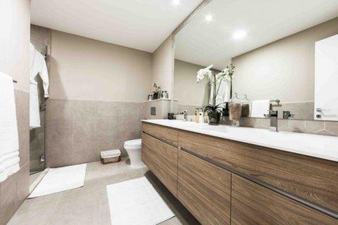 Продажа квартиры в Джумейра Гольф Эстейтс, Дубай, ОАЭ 2 спальни, 135м2, № 1381 - фото 14