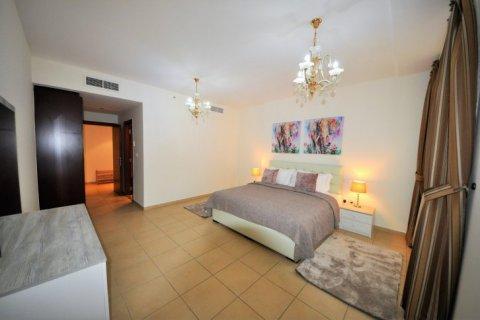 Аренда квартиры в Джумейра Бич Резиденс, Дубай, ОАЭ 2 спальни, 113м2, № 1688 - фото 4