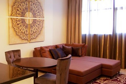 Продажа квартиры в Джумейра Вилладж Серкл, Дубай, ОАЭ 1 спальня, 42м2, № 1389 - фото 2