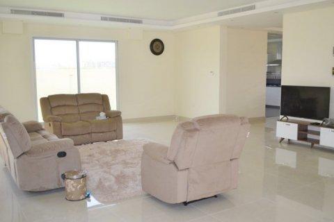 Продажа виллы в Jumeirah Village Triangle, Дубай, ОАЭ 5 спален, 476м2, № 1674 - фото 2