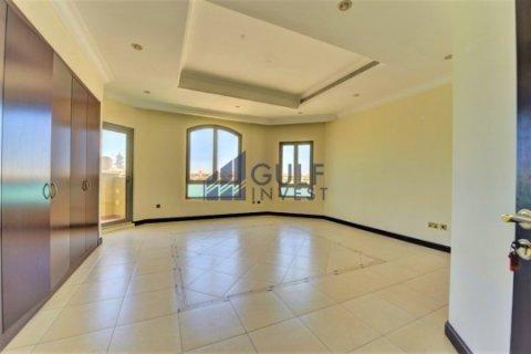 Продажа виллы в Пальме Джумейре, Дубай, ОАЭ 4 спальни, 621.8м2, № 1792 - фото 3