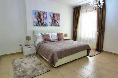 Аренда квартиры в Джумейра Бич Резиденс, Дубай, ОАЭ 2 спальни, 113м2, № 1688 - фото 9