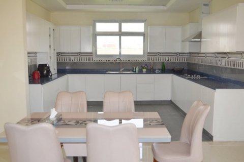 Продажа виллы в Jumeirah Village Triangle, Дубай, ОАЭ 5 спален, 476м2, № 1674 - фото 3