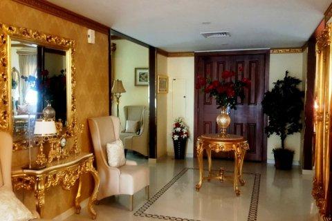 Продажа виллы в Falcon City of Wonders, Дубай, ОАЭ 5 спален, 650м2, № 1666 - фото 11