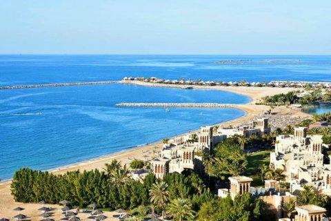Резидентская виза ОАЭ и лицензия на предпринимательскую деятельность при покупке готового жилья в Рас-эль-Хайме