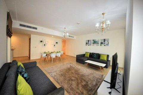 Аренда квартиры в Джумейра Бич Резиденс, Дубай, ОАЭ 2 спальни, 113м2, № 1688 - фото 2
