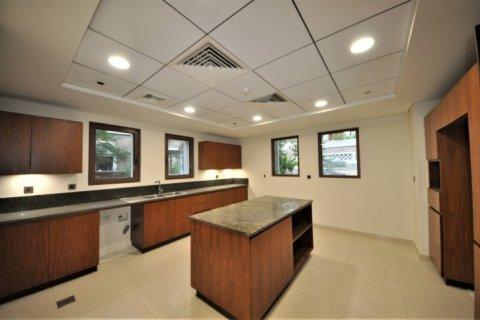 Продажа виллы в Дубае, ОАЭ 5 спален, 1340м2, № 1359 - фото 2