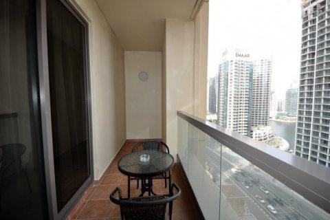 Аренда квартиры в Джумейра Бич Резиденс, Дубай, ОАЭ 2 спальни, 113м2, № 1688 - фото 3
