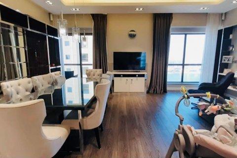 Продажа квартиры в Джумейра Бич Резиденс, Дубай, ОАЭ 2 спальни, 140м2, № 1931 - фото 2
