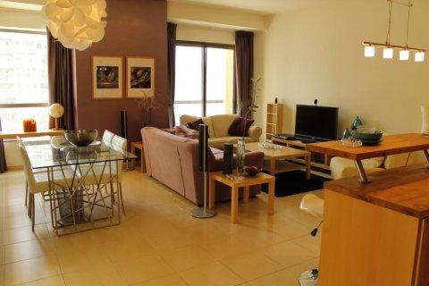 Продажа квартиры в Джумейра Бич Резиденс, Дубай, ОАЭ 1 спальня, 100м2, № 1967 - фото 1