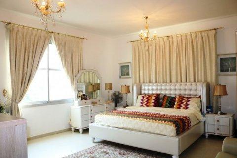 Продажа виллы в Falcon City of Wonders, Дубай, ОАЭ 5 спален, 650м2, № 1666 - фото 7