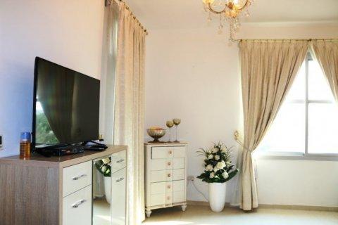 Продажа виллы в Falcon City of Wonders, Дубай, ОАЭ 5 спален, 650м2, № 1666 - фото 8
