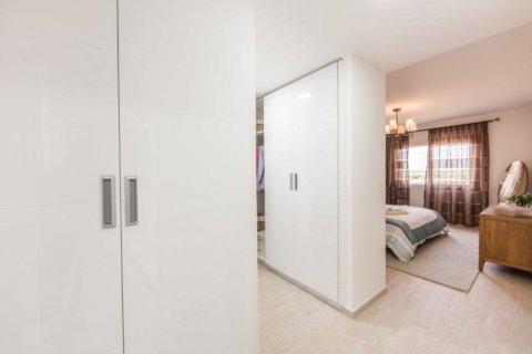 Продажа квартиры в Джумейра Гольф Эстейтс, Дубай, ОАЭ 2 спальни, 135м2, № 1381 - фото 11
