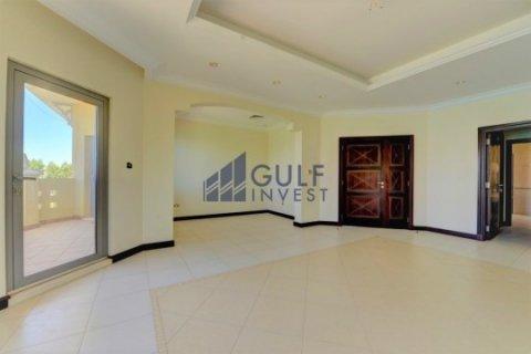 Продажа виллы в Пальме Джумейре, Дубай, ОАЭ 4 спальни, 621.8м2, № 1792 - фото 8
