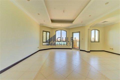 Продажа виллы в Пальме Джумейре, Дубай, ОАЭ 4 спальни, 621.8м2, № 1792 - фото 5