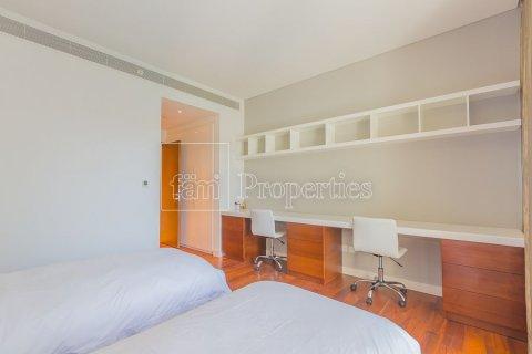 Продажа квартиры в Джумейре, Дубай, ОАЭ 3 спальни, 205.4м2, № 3713 - фото 1
