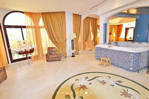 Продажа виллы в Дубае, ОАЭ 7 спален, 1723.6м2, № 3674 - фото 22