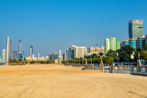 В Абу-Даби отмечается рост интереса к семейным виллам и стабилизация цен на квартиры