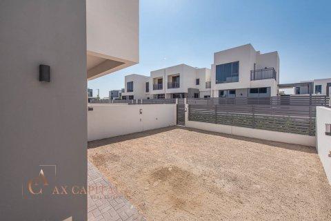 Villa in Dubai Hills Estate, Dubai, UAE 3 bedrooms, 194.4 sq.m. № 817 - photo 3