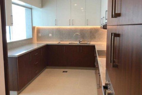 Penthouse in Emirates Golf Club, Dubai, UAE 5 bedrooms, 649 sq.m. № 1661 - photo 10