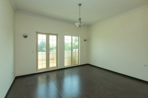 Villa in Jumeirah Islands, Dubai, UAE 4 bedrooms, 450 sq.m. № 1783 - photo 12