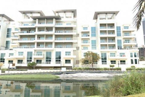 Duplex in Jumeirah Islands, Dubai, UAE 3 bedrooms, 250 sq.m. № 1775 - photo 2