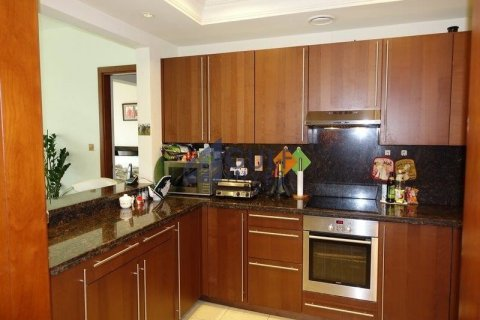Apartment in Palm Jumeirah, Dubai, UAE 2 bedrooms, 185.3 sq.m. № 2224 - photo 10