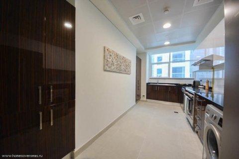 Apartment in Dubai Marina, Dubai, UAE 1 bedroom, 75 sq.m. № 1710 - photo 8
