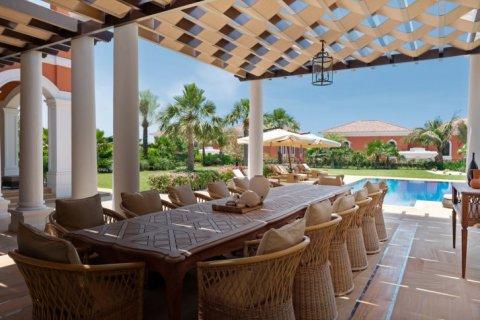 Villa in Palm Jumeirah, Dubai, UAE 7 bedrooms, 1059 sq.m. № 1367 - photo 5