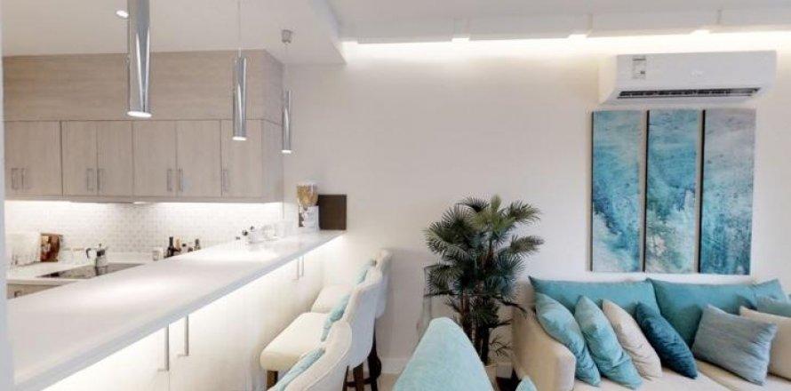 Apartment in Palm Jumeirah, Dubai, UAE 30 sq.m. № 1766
