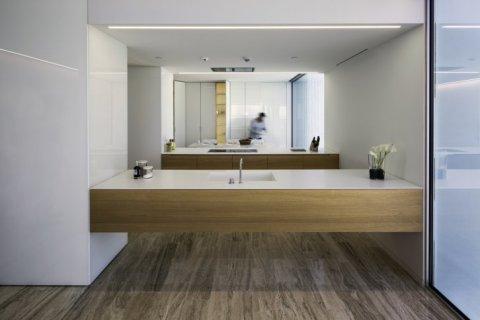 Apartment in Palm Jumeirah, Dubai, UAE 2 bedrooms, 195 sq.m. № 1528 - photo 3