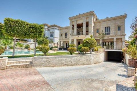Villa in Emirates Hills, Dubai, UAE 6 bedrooms, 20000 sq.m. № 1707 - photo 4