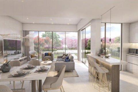 Villa in Dubai, UAE 3 bedrooms, 203 sq.m. № 1768 - photo 2
