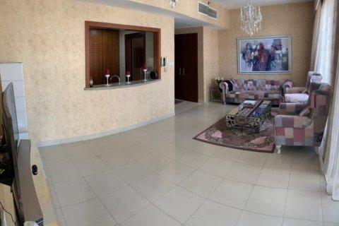 Apartment in Burj Khalifa, Dubai, UAE 2 bedrooms, 110 sq.m. № 1779 - photo 2