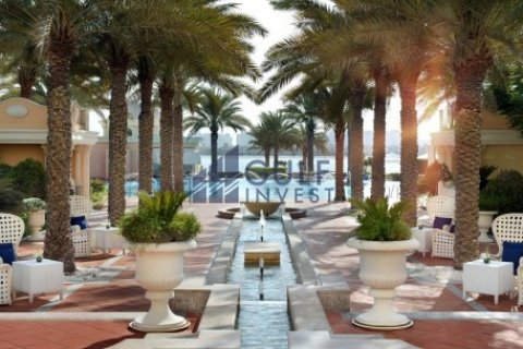 Penthouse in Palm Jumeirah, Dubai, UAE 3 bedrooms, 816 sq.m. № 1793 - photo 15