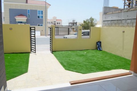 Villa in Jumeirah Village Triangle, Dubai, UAE 5 bedrooms, 476 sq.m. № 1674 - photo 14