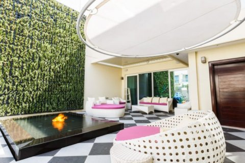 Villa in The Sustainable City, Dubai, UAE 4 bedrooms, 350 sq.m. № 1676 - photo 11