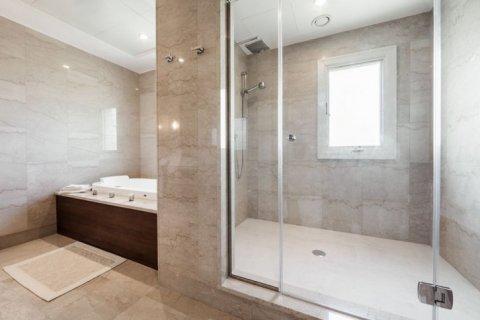 Villa in Jumeirah Golf Estates, Dubai, UAE 4 bedrooms, 1360 sq.m. № 1383 - photo 13