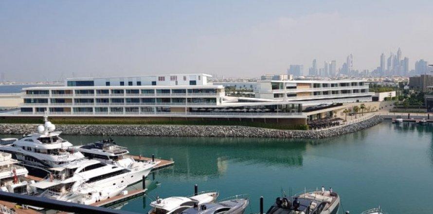 Apartment in Jumeirah, Dubai, UAE 2 bedrooms, 180 sq.m. № 1485