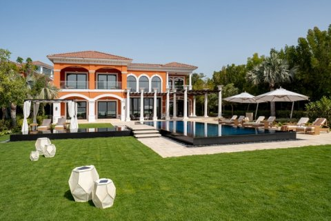 Villa in Palm Jumeirah, Dubai, UAE 7 bedrooms, 1130 sq.m. № 1365 - photo 2