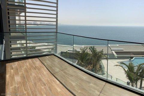 Apartment in Jumeirah Beach Residence, Dubai, UAE 2 bedrooms, 130 sq.m. № 1716 - photo 2
