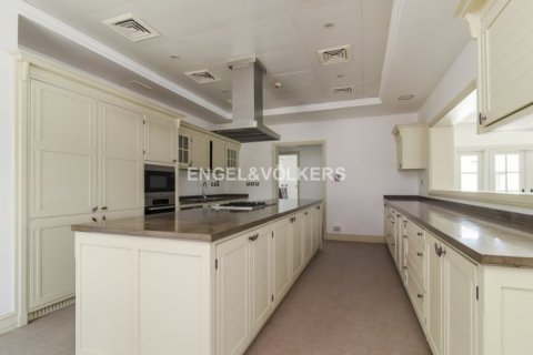 Villa in Jumeirah Golf Estates, Dubai, UAE 5 bedrooms, 1240 sq.m. № 1724 - photo 11