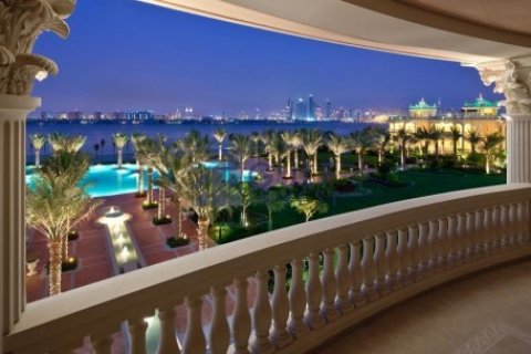Penthouse in Palm Jumeirah, Dubai, UAE 3 bedrooms, 816 sq.m. № 1793 - photo 11