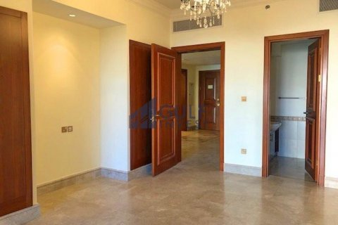 Apartment in Palm Jumeirah, Dubai, UAE 2 bedrooms, 185.3 sq.m. № 2224 - photo 8