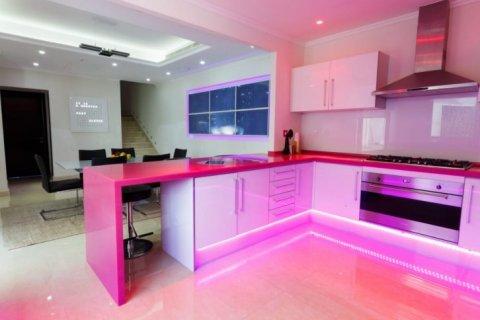 Villa in The Sustainable City, Dubai, UAE 4 bedrooms, 350 sq.m. № 1676 - photo 8