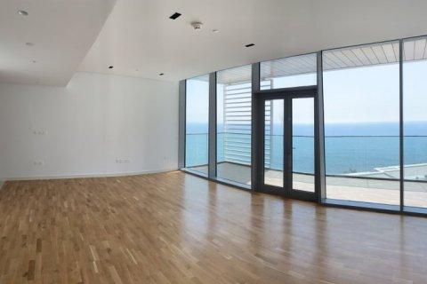 Apartment in Dubai, UAE 1 bedroom, 100 sq.m. № 1753 - photo 12