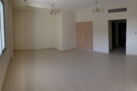 Apartment in International City, Dubai, UAE 45 sq.m. № 1785 - photo 2